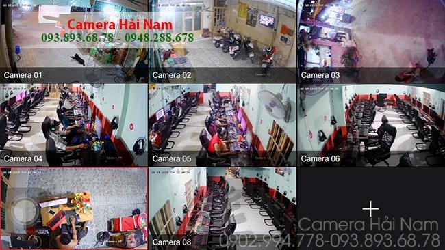 Toàn bộ khu vực trong tiệm nét Hùng được quan sát qua điện thoại